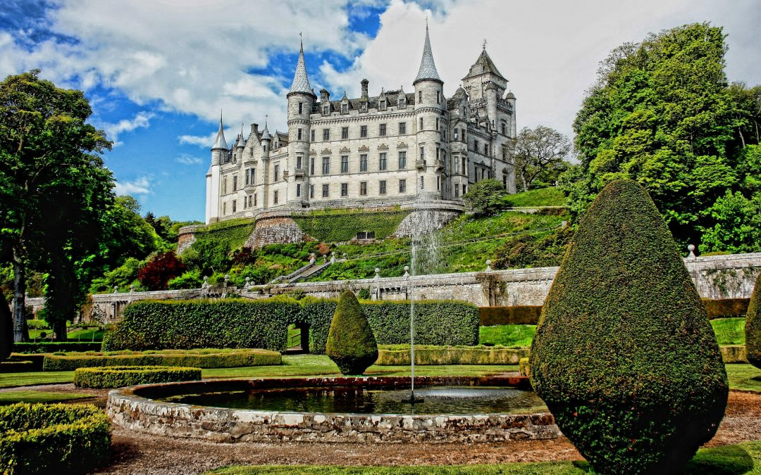 Les intérieurs et jardins inspirants du château de Dunrobin en Écosse