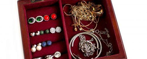 Organisateur de bijoux DIY